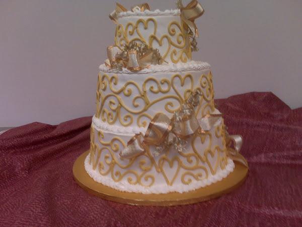 09_Gold_Anniversary_Cake316.jpg