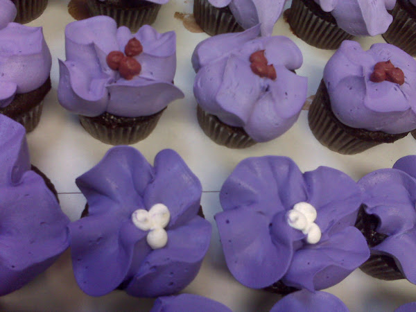 TropicalFlower_Cupcakes301.jpg