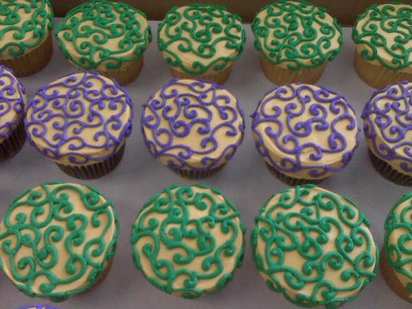 MardiGras_Cupcakes244
