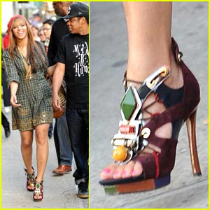 Beyonce in Louis Vuitton spicy sandals