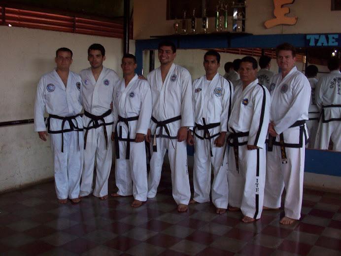 Cinturones Negros que asistieron Seminario Tecnico 28 Dic 2008