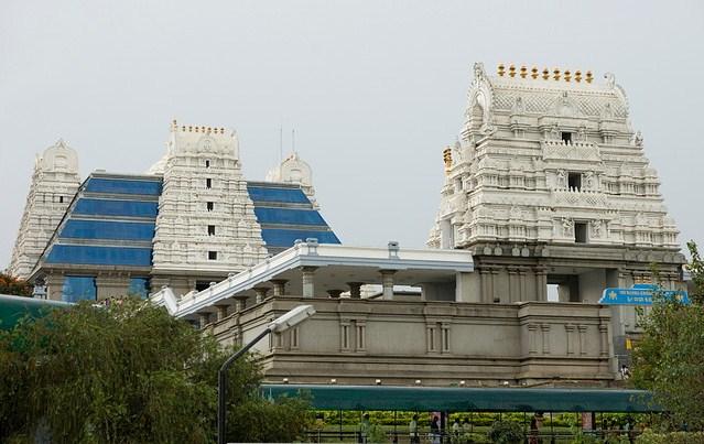 [Iskcon+Krishna+temple+(2).jpg]