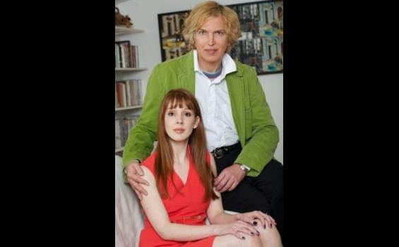 Sam saat menjadi Charles Kane dan saat ini bertunangan dengan Victoria ...
