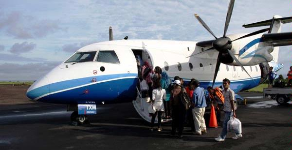 Bandara Ternate, pesawat Express Air menuju Bandara Gamar Malamo ...