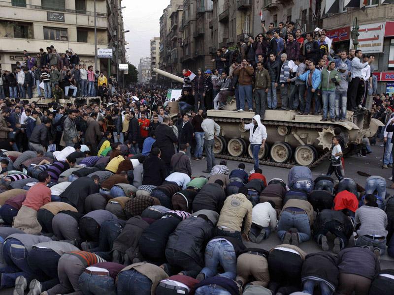 kerusuhan+mesir+bontangkreatif+6+jpg Gambar Terkini Di Mesir 2011 (Part 1)