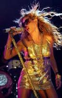 vestido de lamé dorado