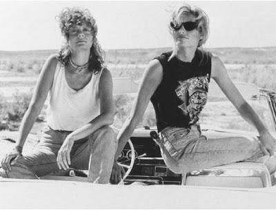 Thelma y Louise en su Thunderbird