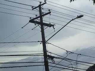 Ayuntamiento Serie 23 entrega cheques para iniciar electrificación en el barrio San Antón.