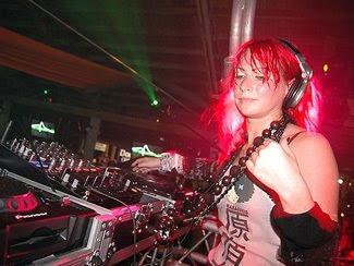 DJ Wanita paling seksi Di Dunia