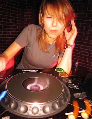 Foto bugil DJ Wanita Terseksi Di Dunia