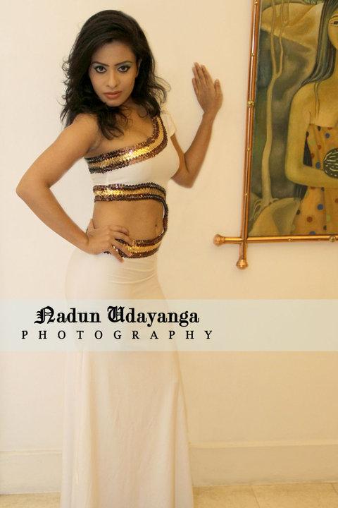 http://3.bp.blogspot.com/_hdL0BfpTMV0/THytriO--uI/AAAAAAAAG5Y/awELcOK8qCM/s1600/sri+lankan+model.jpg