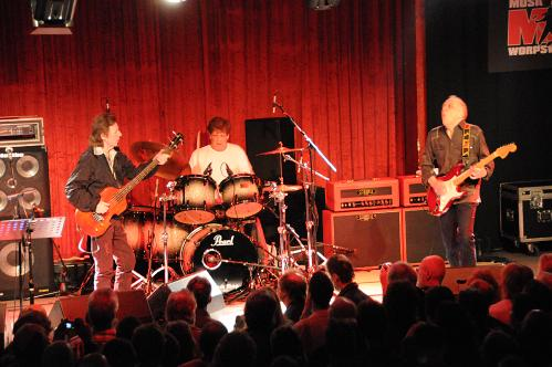 Who Is In Robin Trower Band On Current Tour