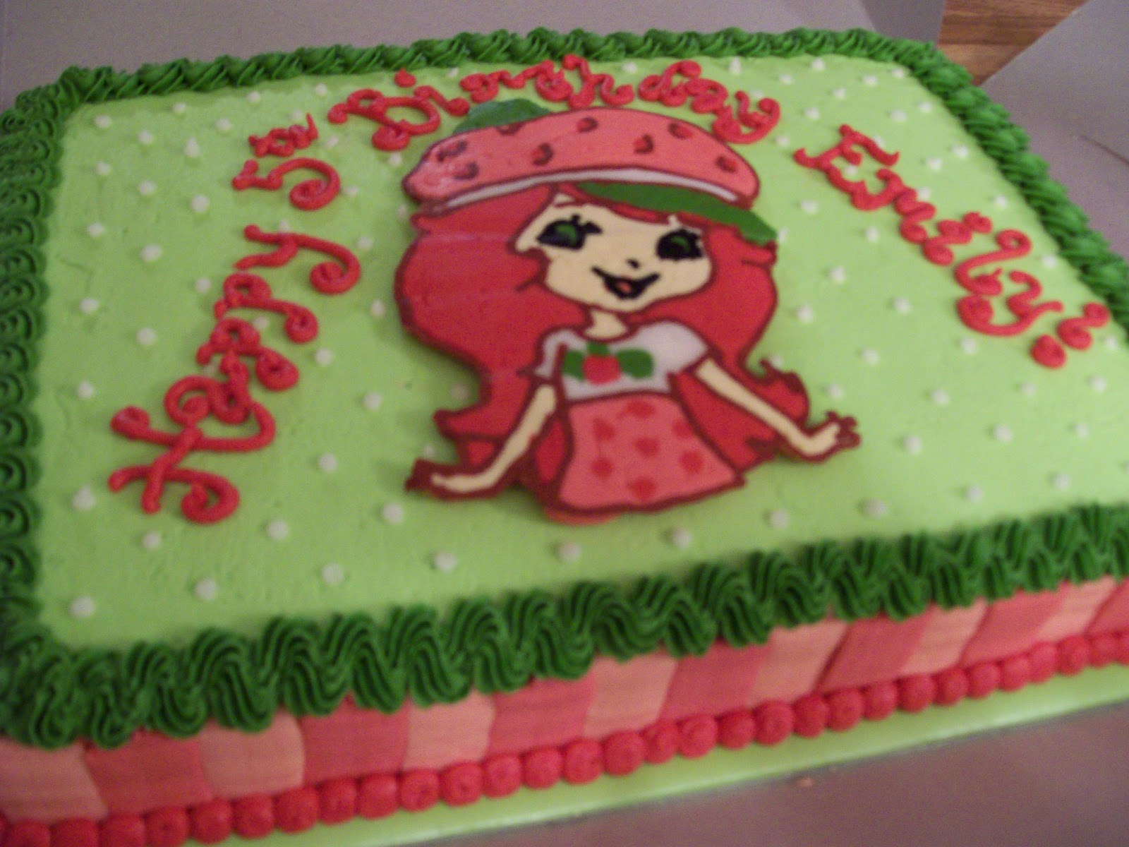 the cake box girls: Strawberry Shortcake birthday cake & cupcakes