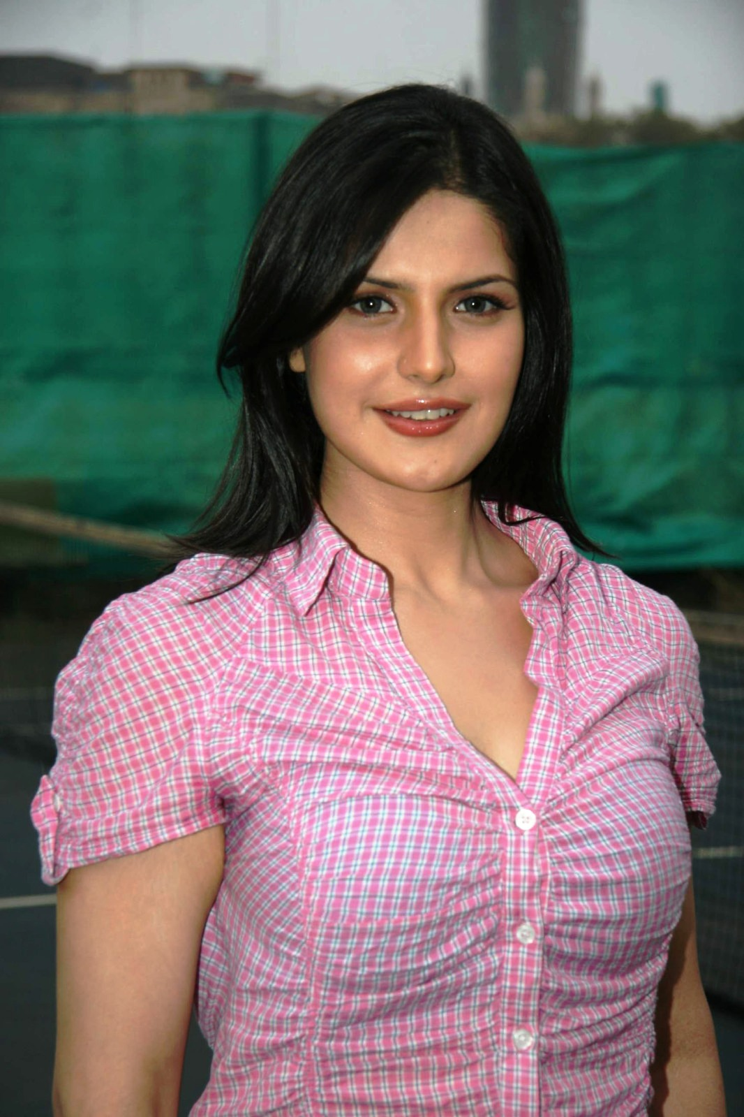 Zarine Khan Hot Spicy Actress & Mo...