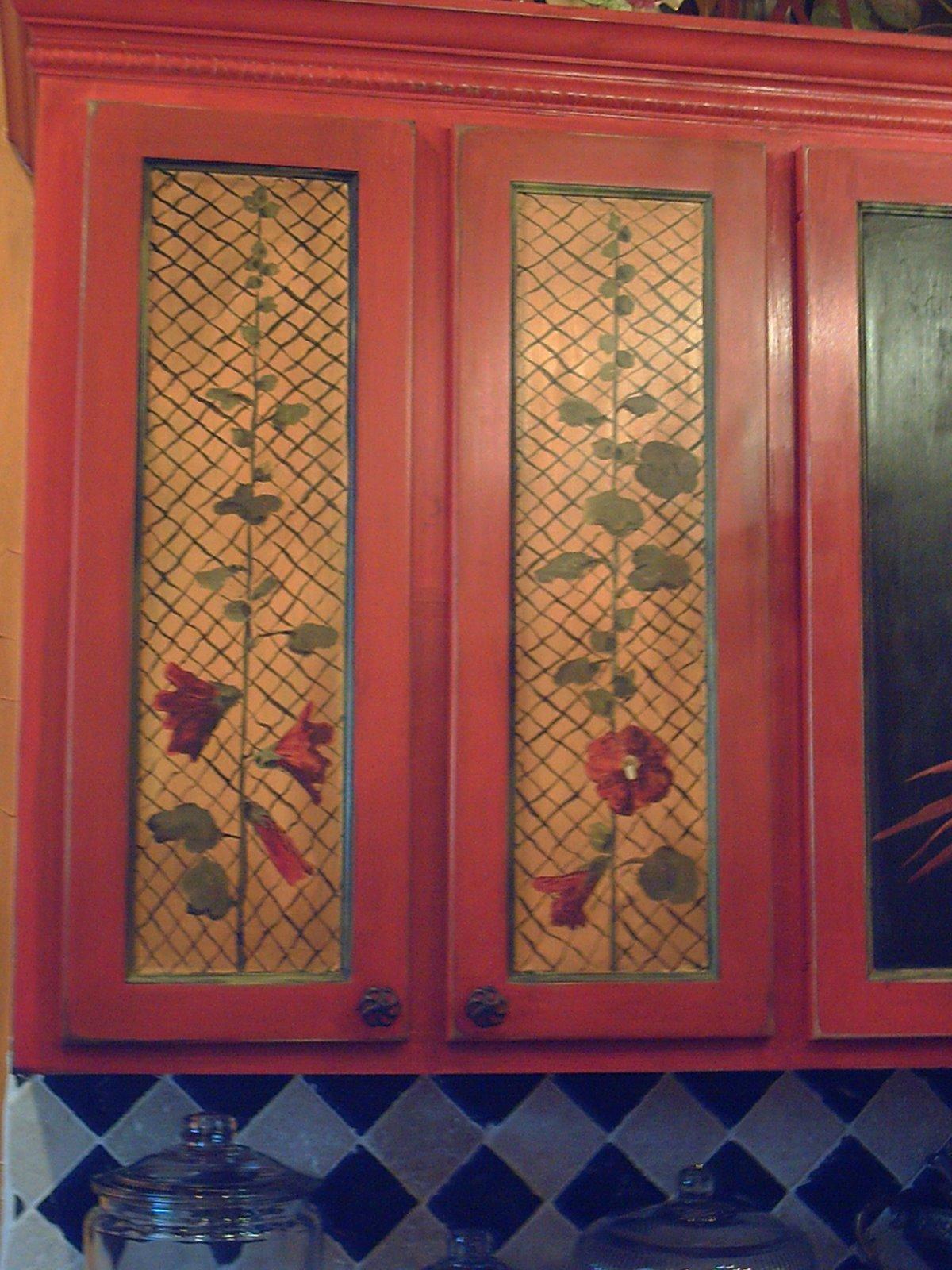 [kitchencabinet3.jpg]