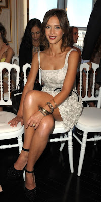 jessica alba legs