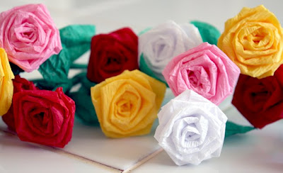 Filth wizardry mini roses from dollar store crepe paper streamers - Fleur en crepon facile ...