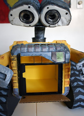 how to build a robot for kids with home materials