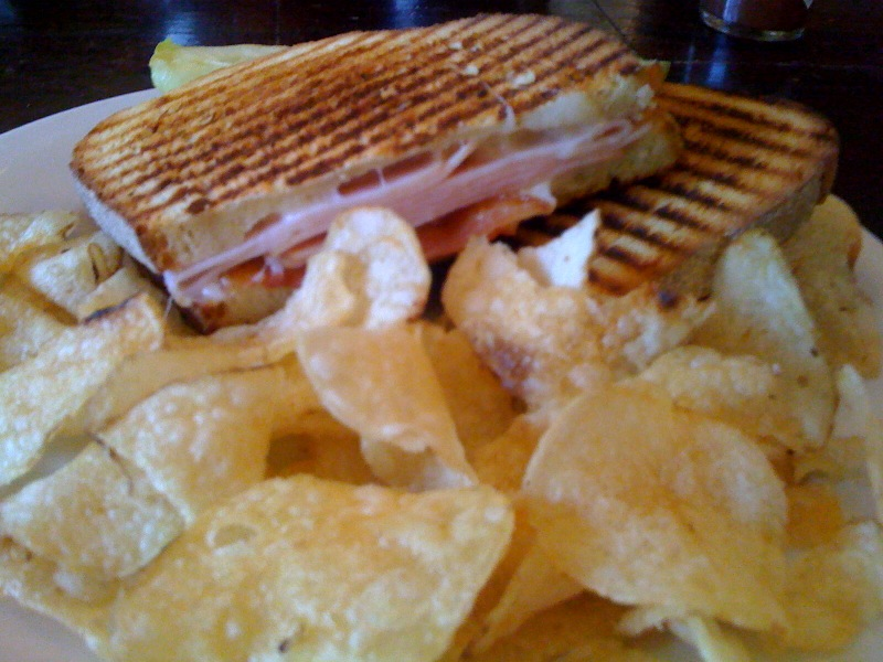 Bite and Booze: Downtown Baton Rouge's The BUZZ Cafe