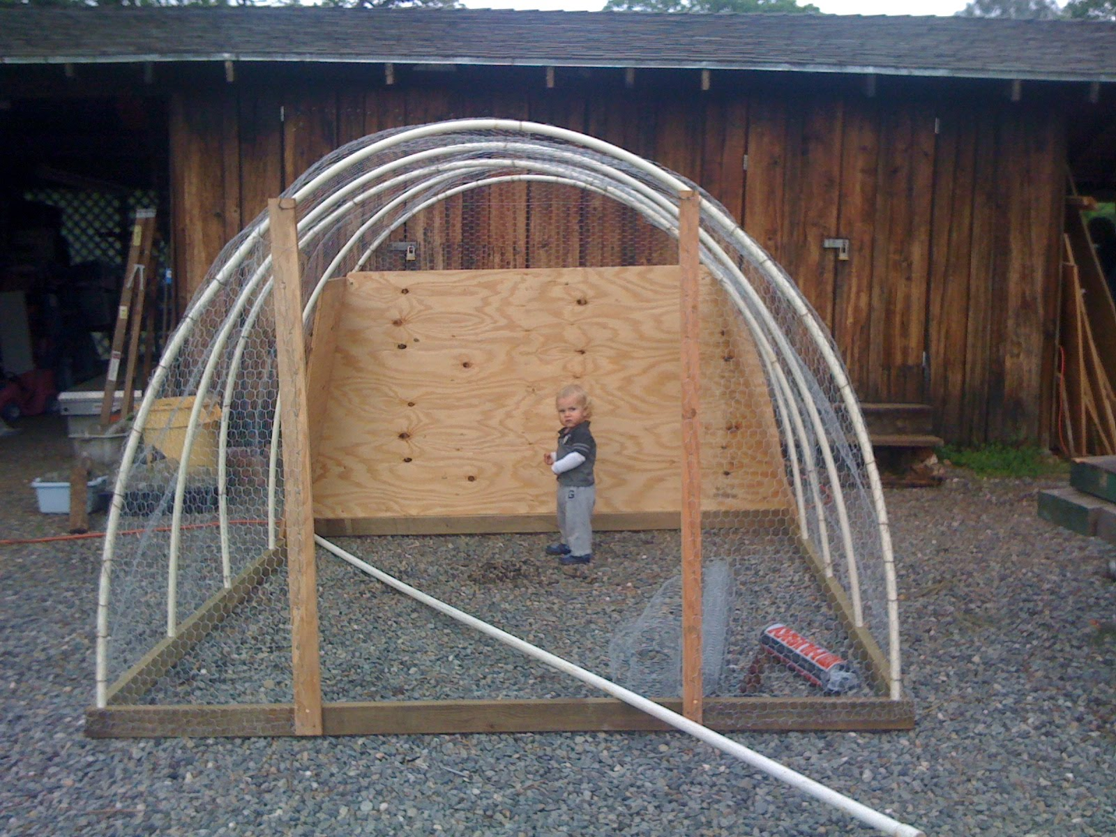 Tomr free building plans for chicken tractor for Chicken tractor building plans