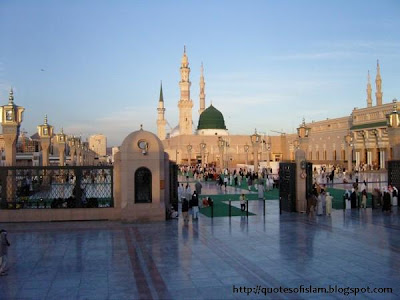 346868175 c03274008d o 600x450 - Top 10 Most Beautiful Mosques in The World
