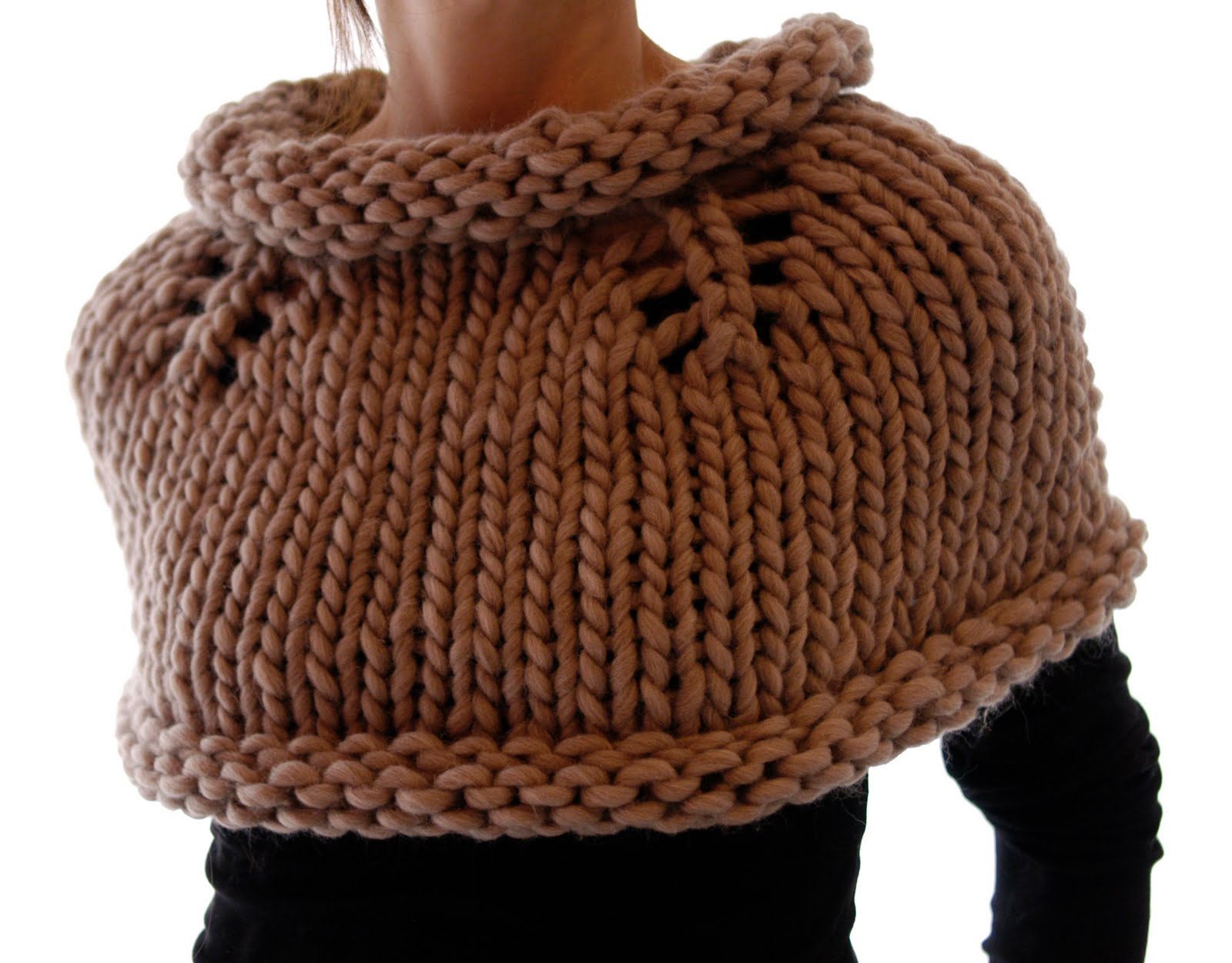 Free Knitted Capelet Patterns : Knit 1 LA: Magnum Capelet #1