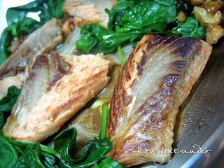 honeyed-salmon-with-spinach-walnut