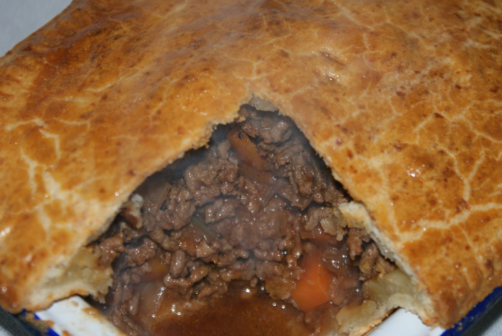 Minced Beef Pie with Cheesy Crust | Baking Recipes and Tutorials - The Pink Whisk & Minced Beef Pie with Cheesy Crust | Baking Recipes and Tutorials ...