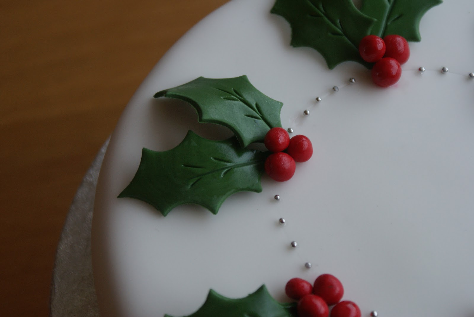 Images Of Christmas Cake Decorations : On the fourth day of Christmas The Pink Whisk sent to me ...