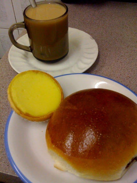 Sun+Luen+Snack+Bar+review+charsiew+buns+egg+custard+tart+London+Chow