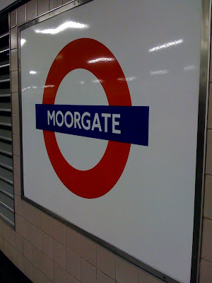 London-Underground-tube-Moorgate