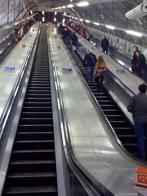 Long-escalator-Holborn-Tube-Station