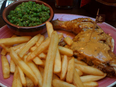 Nandos+Canary+Wharf+Peri+Peri+flame+grilled+chicken+London+Chow