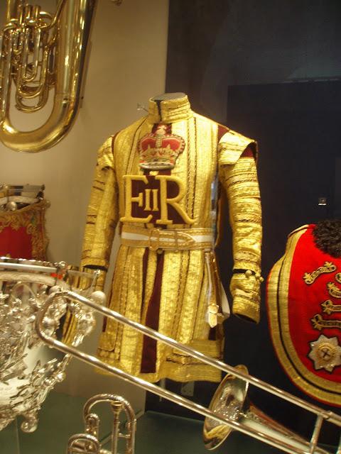 Household+Cavalry+Museum+Queens+horsemen+uniform