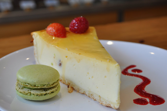 Sweet+review+Exmouth+Market+cafe+baked+cheesecake