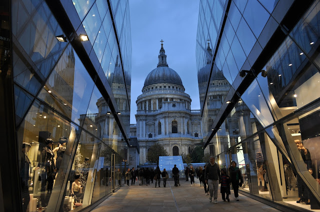 One+New+Change+City+of+London+St+Pauls+Cathedral