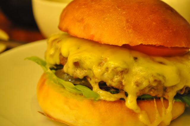Hawksmoor+review+Covent+Garden+Seven+Dials+Hawksmoor+burger+kimchi