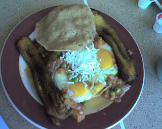 Huevos Motuleños - my new favorite breakfast!