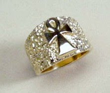 Custom made gold ring by Payne's Custom Jewelry