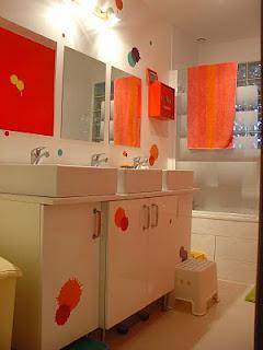 conseils d co salle de bain pour 3 enfants. Black Bedroom Furniture Sets. Home Design Ideas