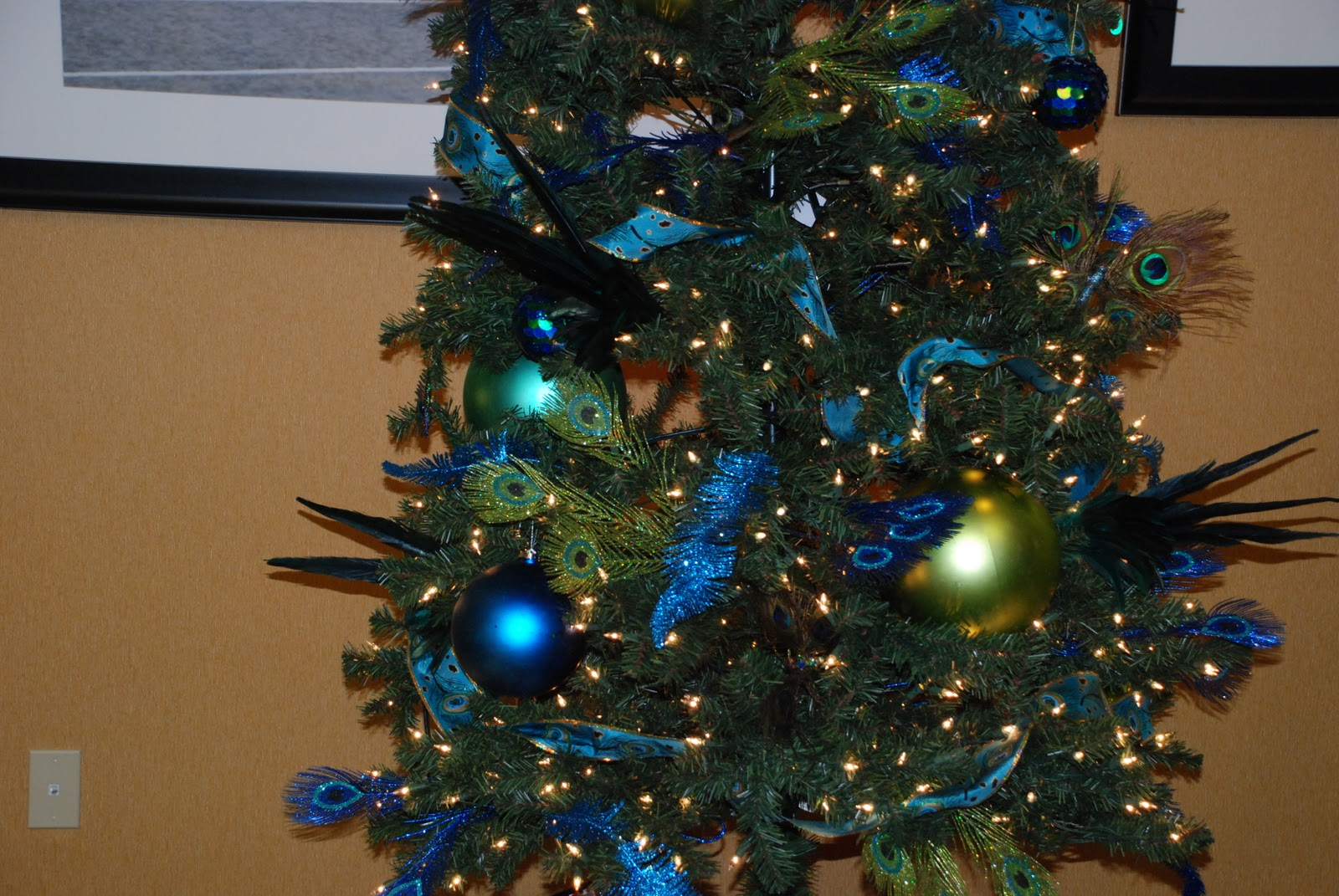 thursday december 23 2010 - Peacock Themed Christmas Tree