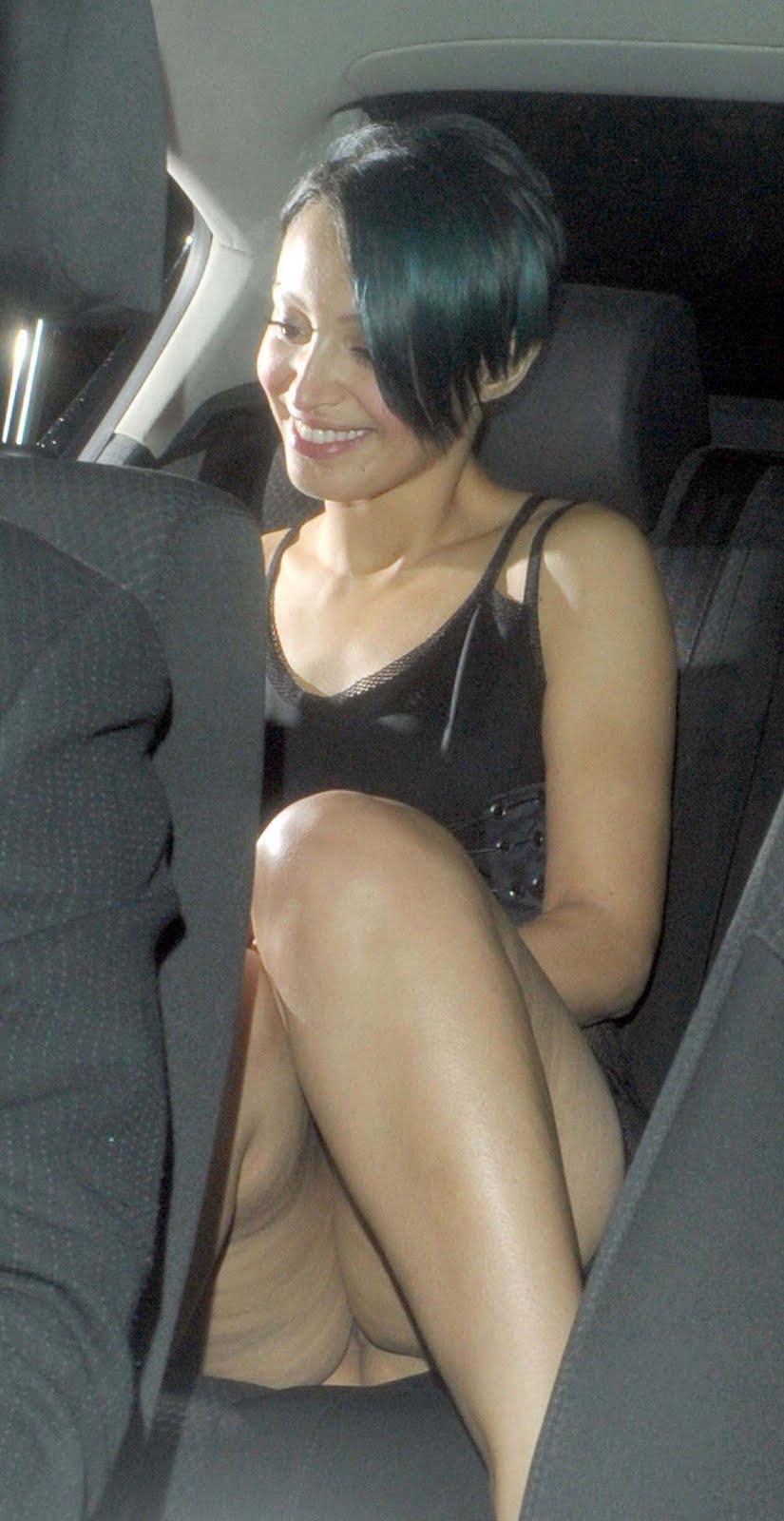 Amelle Berrabah sans culotte