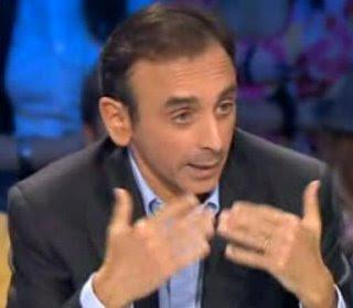 Eric Zemmour renvoie la rumeur à Versailles