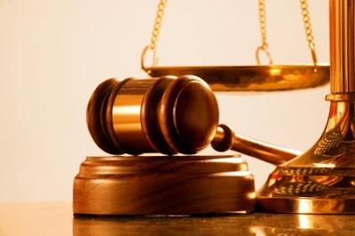 Justice marteau balance
