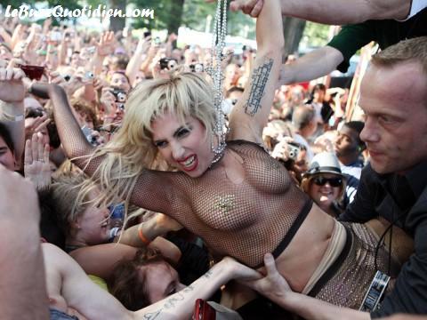 Lady Gaga presque nue