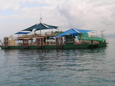 Restaurant & watersport