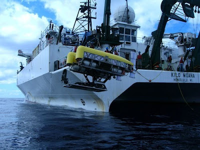 woods hole mariana trench submersible
