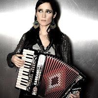 julieta venegas en el cartel del fib.Festival de benicassim 2011