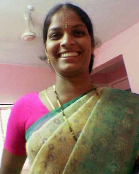 real tamil house wife showing nude