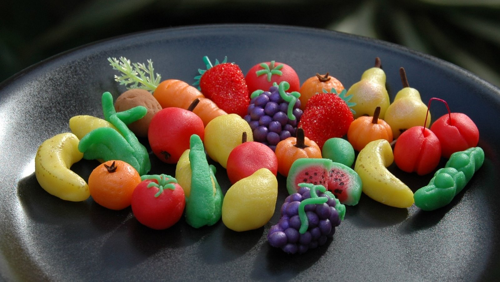 Foray into Food: Marzipan fruits